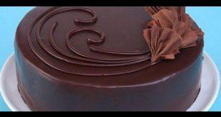 صورة طريقة تزيين كيكة الشوكولاته , تزيين كيك الشوكولا باشكال مدهشة