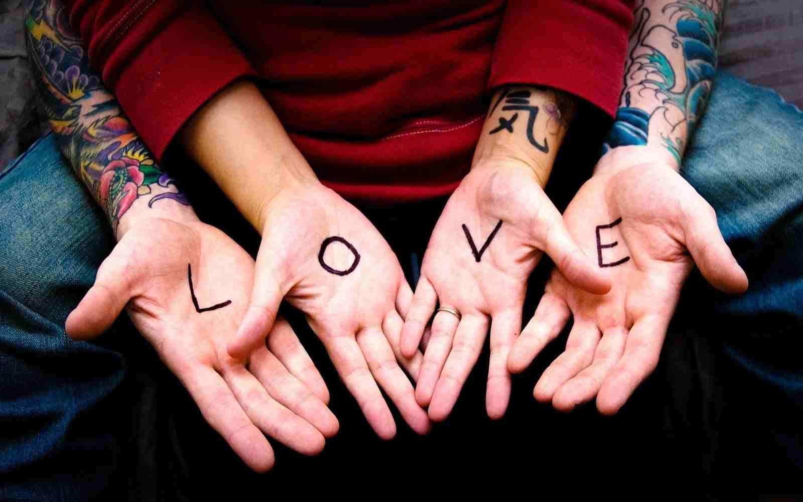 صورة كيف تجعل شخص يحبك وهو بعيد عنك , كيفية جعل شخص يعشقكك