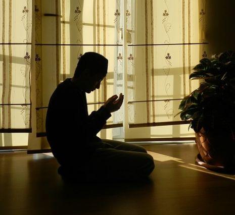 بالصور رؤية شخص يصلي في المنام , معني الحلم بشخص يصلي في المنام 1191 10