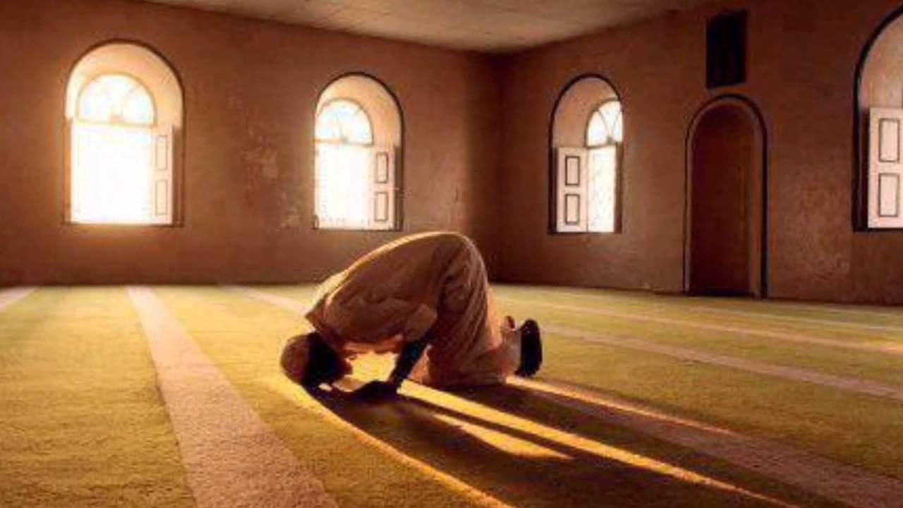 بالصور رؤية شخص يصلي في المنام , معني الحلم بشخص يصلي في المنام 1191 3