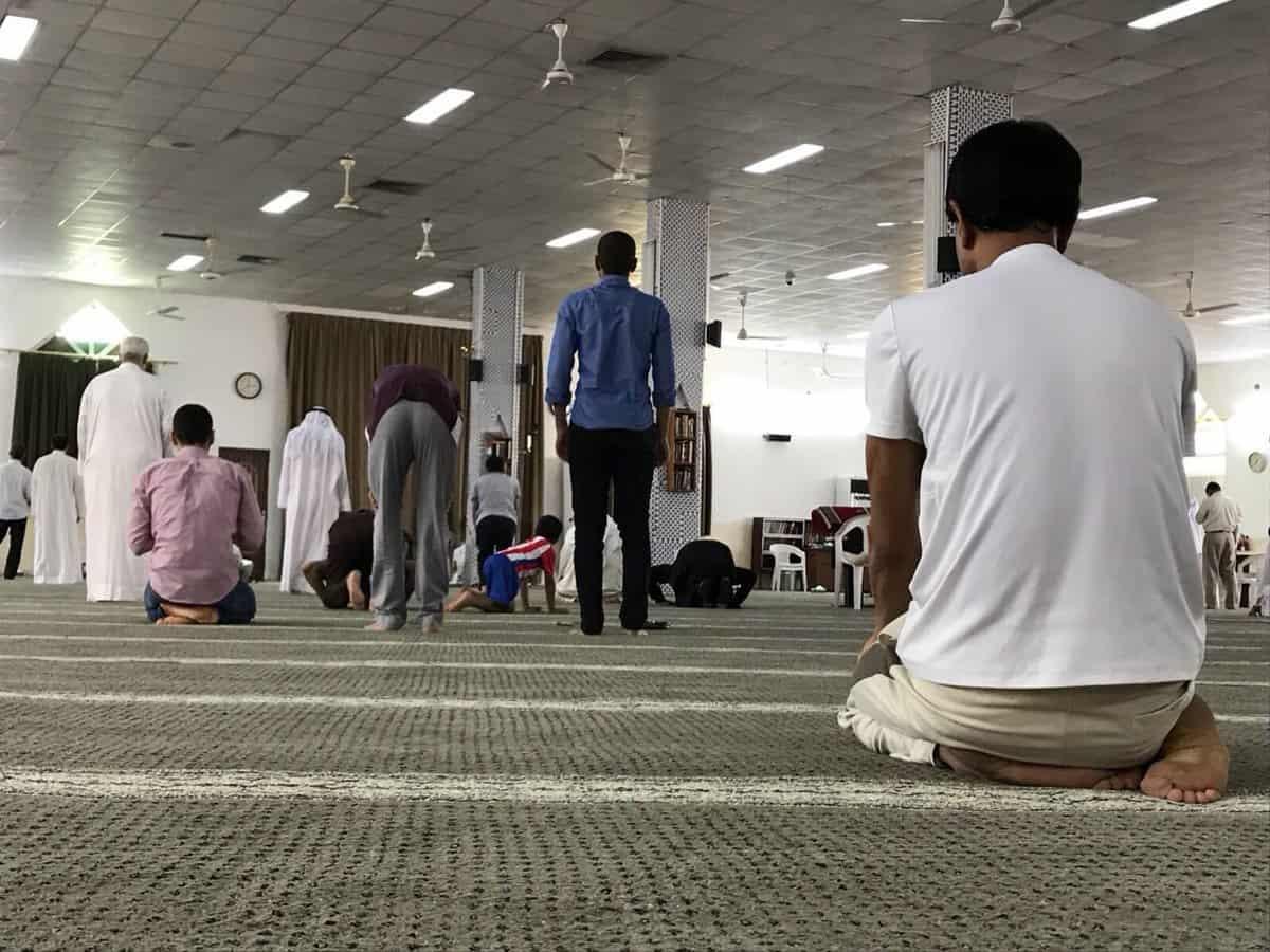 بالصور رؤية شخص يصلي في المنام , معني الحلم بشخص يصلي في المنام 1191 5