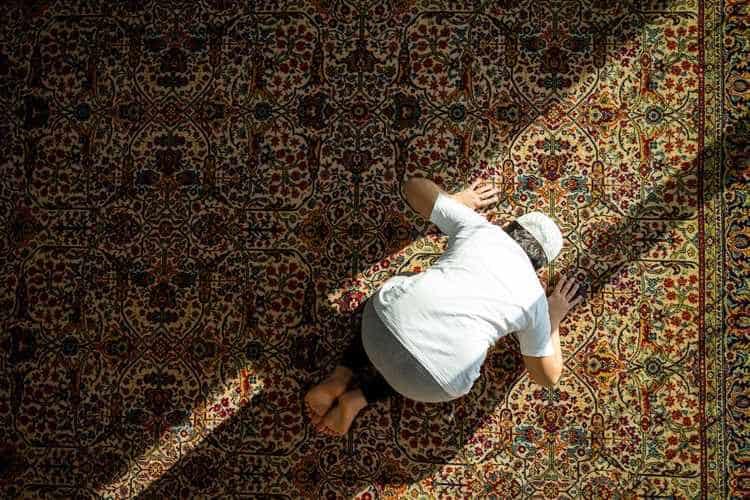 بالصور رؤية شخص يصلي في المنام , معني الحلم بشخص يصلي في المنام 1191 8