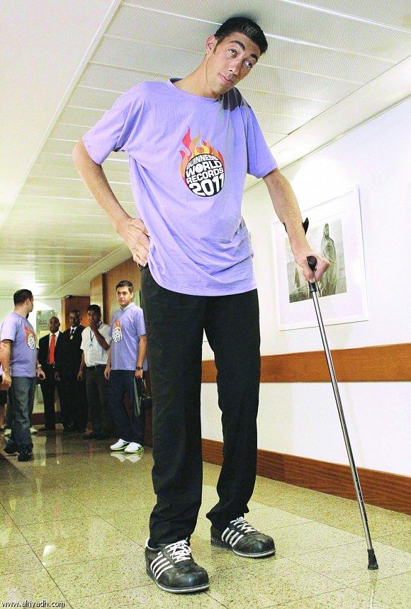 صور اطول رجل في العالم , شاهد اطول رجل فى الكون