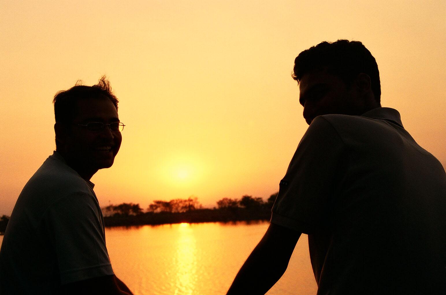 بالصور صور عن الاصدقاء , اكثر صور معبرة عن الاصدقاء 1433 13