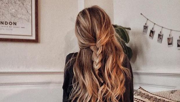 بالصور تسريحات للشعر الطويل بسيطة , الحديث و البسيط في تسريحات الشعر الطويل 1537