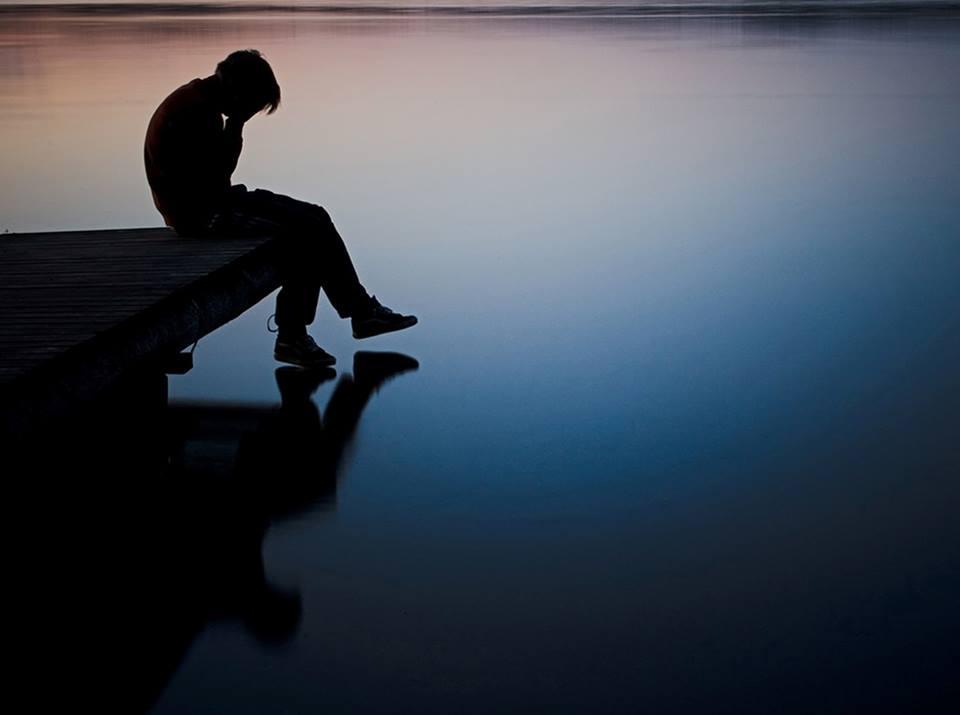 بالصور صور رجل حزين , اقوى الصور المعبرة عن حزن الرجل 5247 3