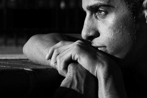 بالصور صور رجل حزين , اقوى الصور المعبرة عن حزن الرجل 5247 4