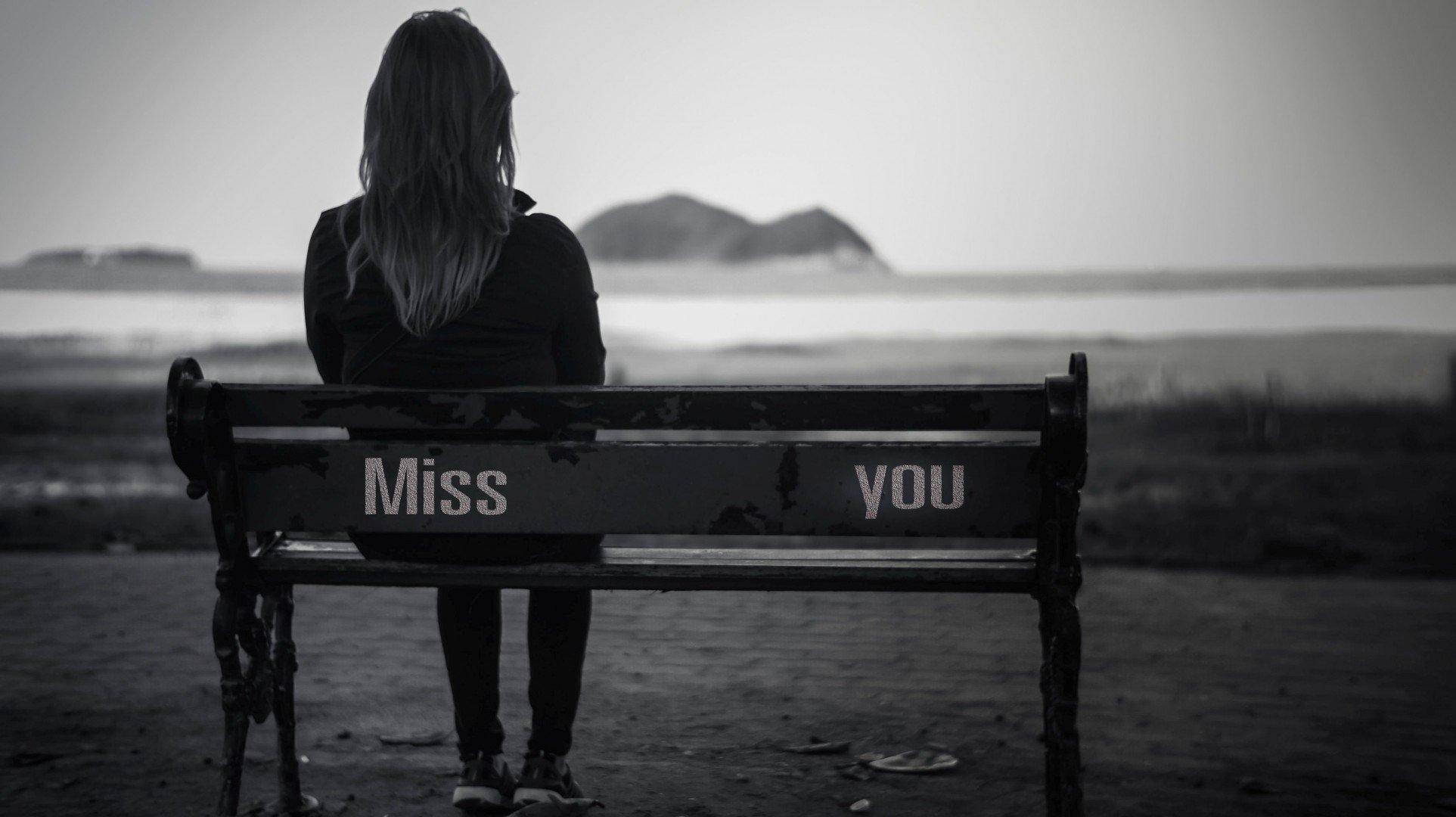 بالصور خلفيات حزينه , صور تعبر عن الحزن للتحميل 5249 1