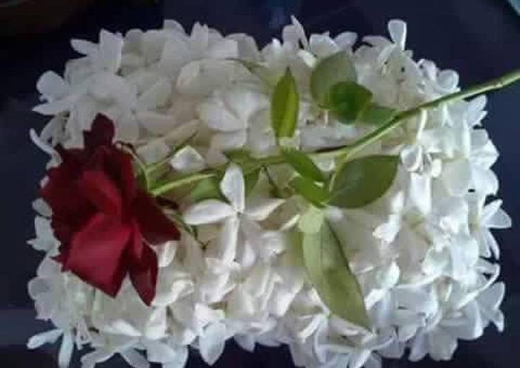 انواع الورد الابيض