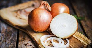 صورة تقشير البصل في المنام , الطبخ في المنام