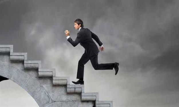صورة تفسير حلم طلوع الدرج , تحقيق النجاح في الدراسة والعمل