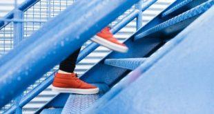 صور تفسير حلم طلوع الدرج , تحقيق النجاح في الدراسة والعمل