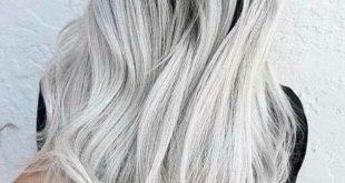 صبغ الشعر باللون الاشقر الثلجي